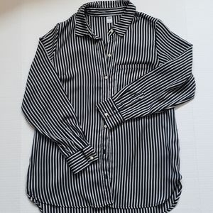 NWOT Old Navy Button Up Blouse- Tunic Style